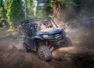 2017 Honda Pioneer 1000 LE with I-4WD Preview
