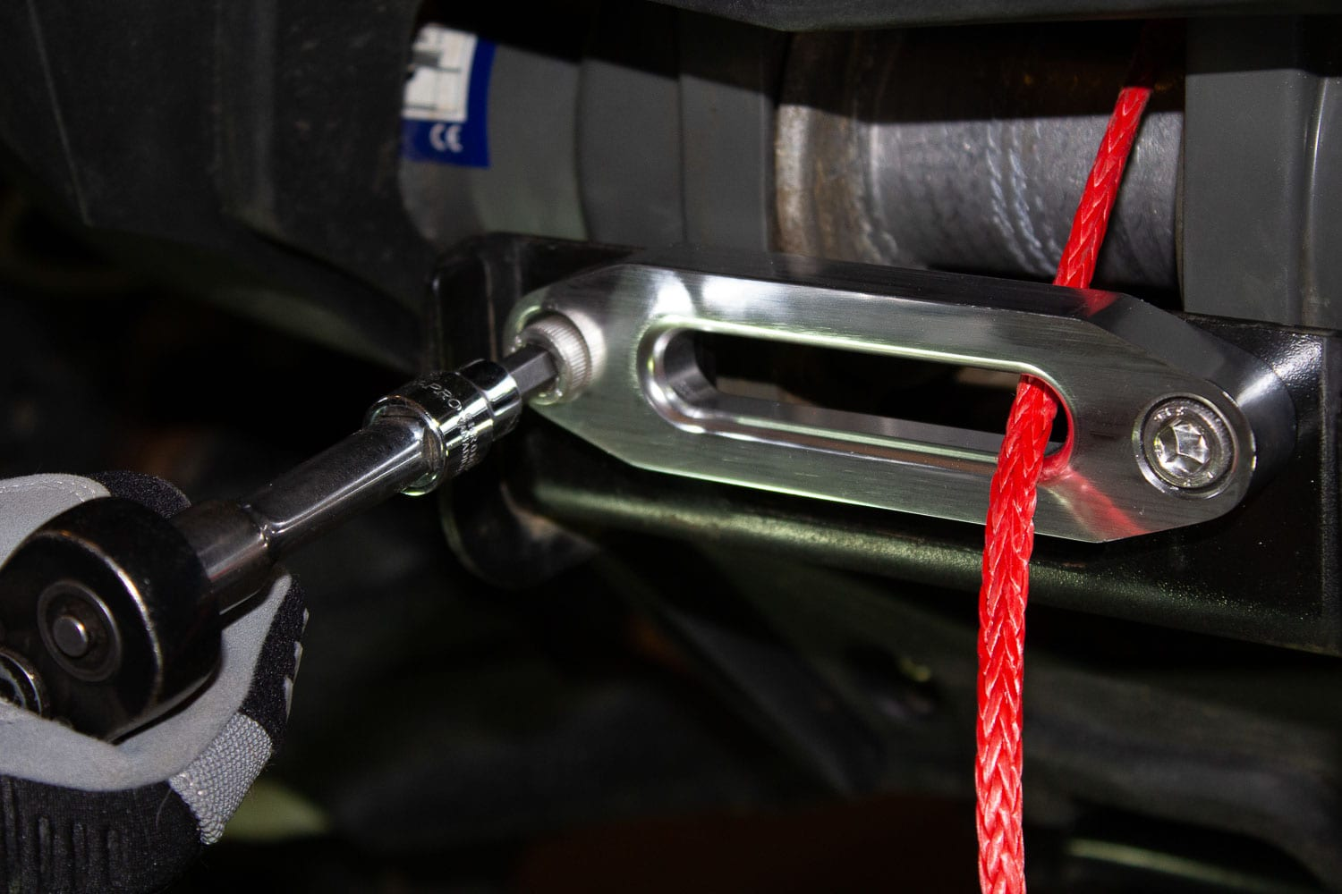 Installation of a Synthetic Winch Rope